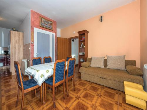 Two-Bedroom Apartment in Siroke Photo