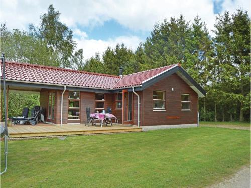 Three-bedroom Holiday Home With A Fireplace In Silkeborg