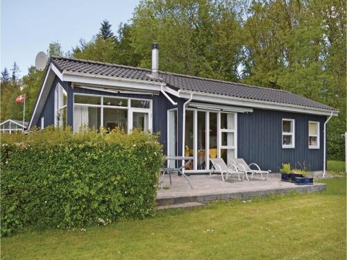 Three-Bedroom Holiday home with Sea View in Juelsminde