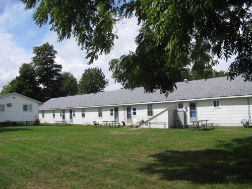 The Maplewood Motel - Port Elgin, ON N0H 2C1