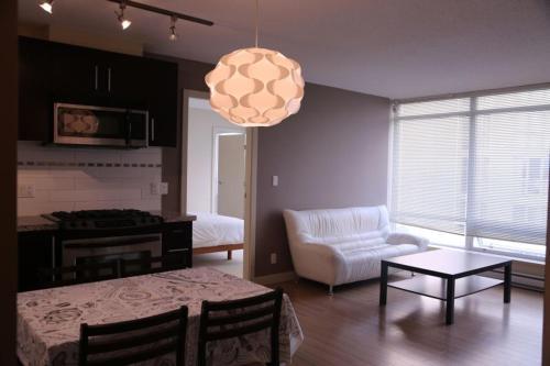 Richmond Apartment Lansdowne - Richmond, BC V6X 0B3