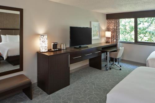 Doubletree By Hilton Atlanta Perimeter Dunwoody - Atlanta, GA 30341