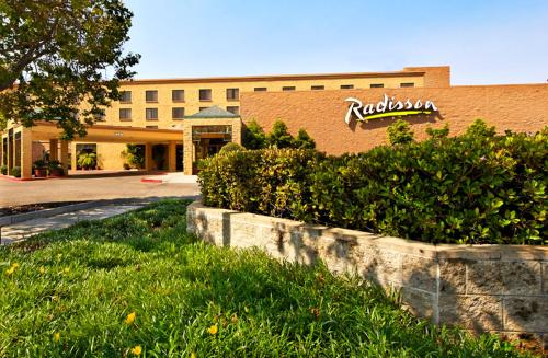 Radisson Hotel Santa Maria Photo