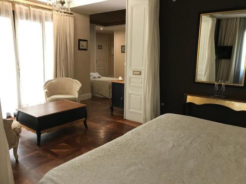 Deluxe Premium Zimmer mit Zustellbett Hotel Casa 1800 Sevilla 9