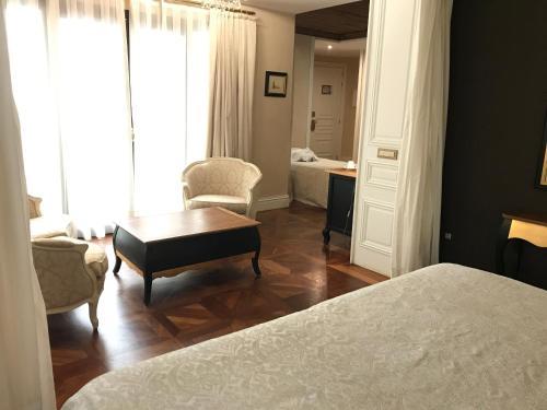Deluxe Premium Zimmer mit Zustellbett Hotel Casa 1800 Sevilla 7