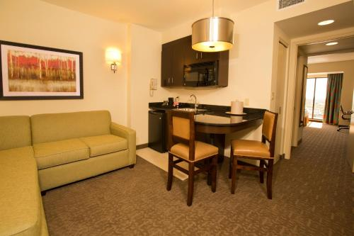 Ramada Plaza Resort & Suites International Drive Orlando photo 21