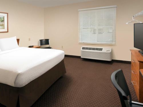 Woodspring Suites Lexington - Lexington, KY 40502
