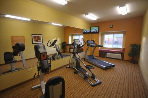 Microtel Inn & Suites by Wyndham University Medical Park Photo