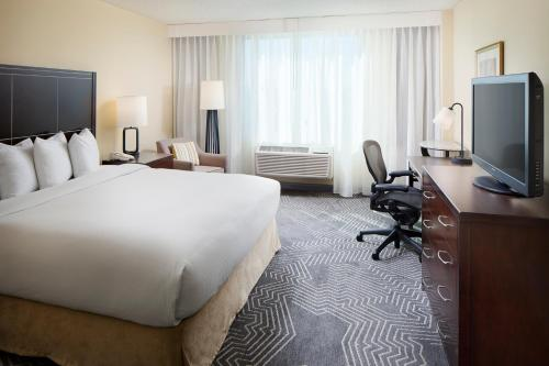 Doubletree Hotel Los Angeles/commerce - Commerce, CA 90040