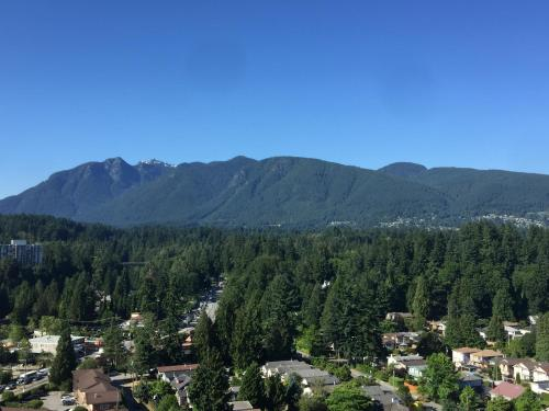 Bright Apartments With Ocean And Mountain View - North Vancouver, BC V7P