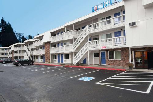 Motel 6 Bremerton - Bremerton, WA 98312