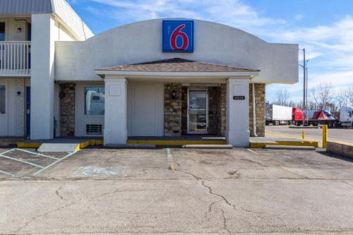 Motel 6 Indianapolis, S. Harding St. photo 5