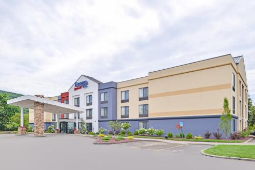 Fairfield Inn Corning Riverside Photo