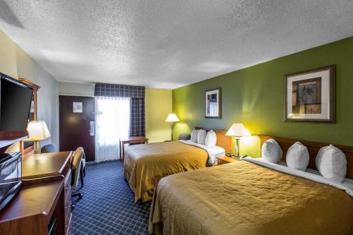 Quality Inn Midtown Savannah Photo