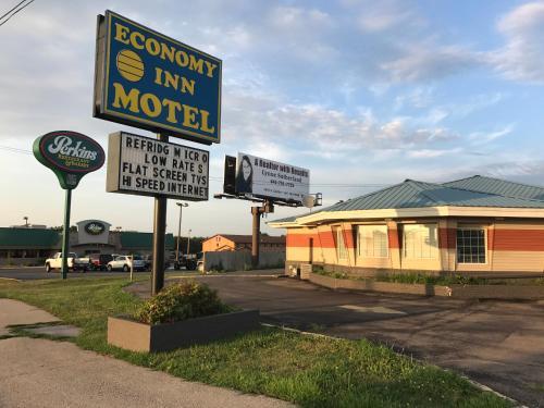 Economy Inn - Marshalltown, IA 50158