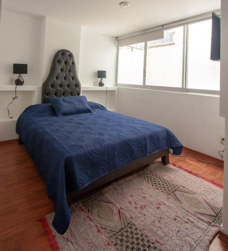 Shakespeare Apartment Photo