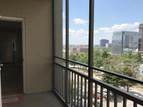 Downtown Condo With A View Sleeps 4 5d - Atlanta, GA 30308
