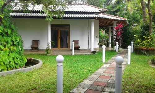 River Retreat Sigiriya