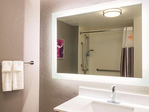 La Quinta Inn & Suites Denver Tech Center Photo