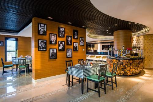Sofitel Abu Dhabi Corniche photo 114