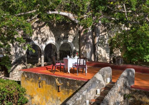 KM 20 Carretera, Uayamon-China-Edzná, Uayamon, Campeche, Mexico.