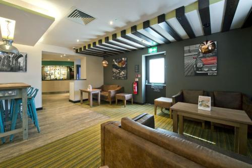 Premier Inn London Edgware photo 23
