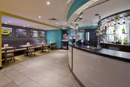 Premier Inn London Edgware photo 27