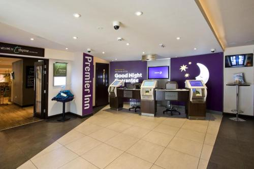 Premier Inn London Edgware photo 30