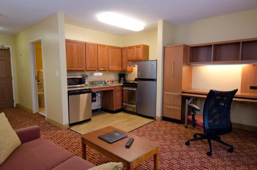 TownePlace Suites Birmingham Homewood Photo
