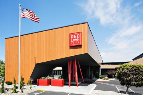 Red Lion Hotel Wenatchee Photo
