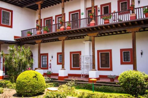 Best Western Plus Posada de Don Vasco Photo