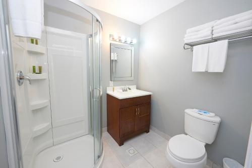 Wasaga Riverdocks Hotel Suites Photo