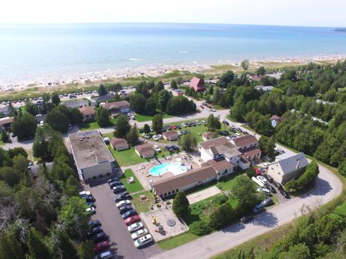 Sauble Beach Lodge Photo