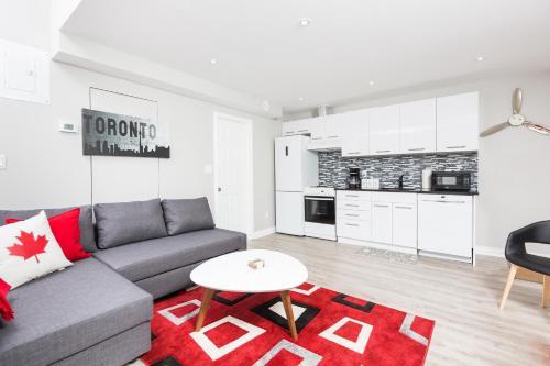 Applewood Suites - Annex Coachouse Loft - Toronto, ON M5S 2R1
