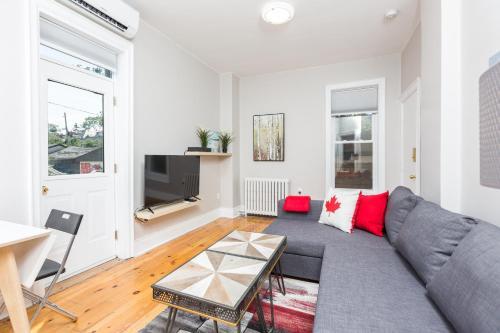 Applewood Suites - The Annex Lofts - Toronto, ON M5S 2R1