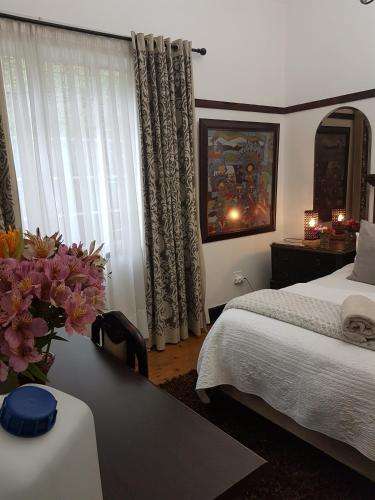 Izimbali Lodge and Restaurant Photo