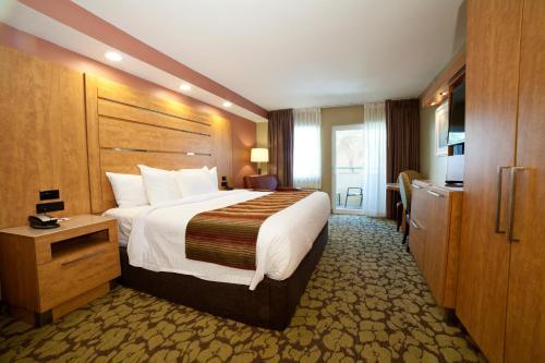 DeSoto Beach Hotel Photo