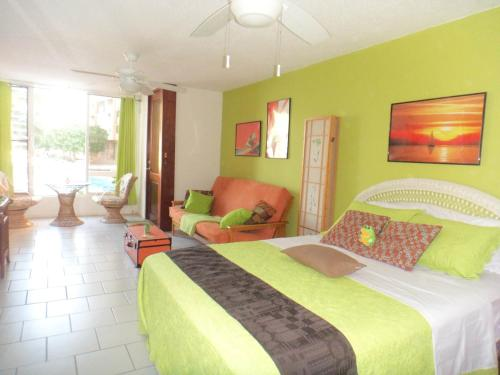 Oceanfront Studio In Condado Beachfront Cabin - San Juan, PR 00907