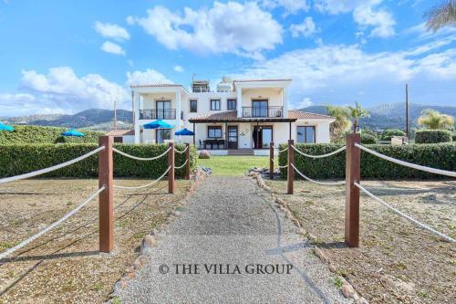 Villa 382