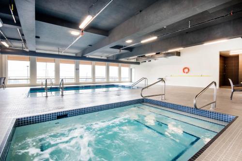 Comfort Inn & Suites Merritt - Merritt, BC V1K 1A3