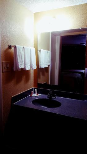 Days Inn Concord Photo