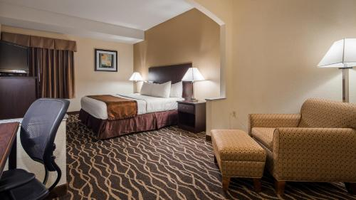 Quality Inn & Suites - Indianapolis, IN 46237