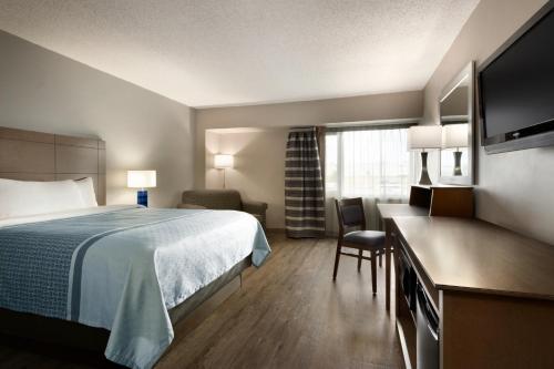 Travelodge By Wyndham Saskatoon - Saskatoon, SK S7L 4L6