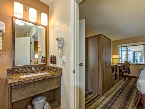 Boulder University Inn - Boulder, CO 80302