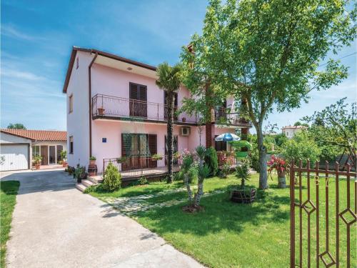 Apartment Loborika II