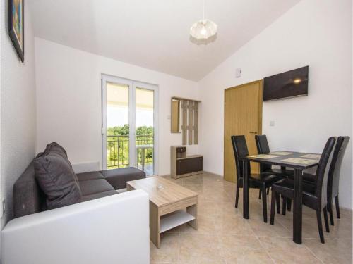 Apartment Segotici 12
