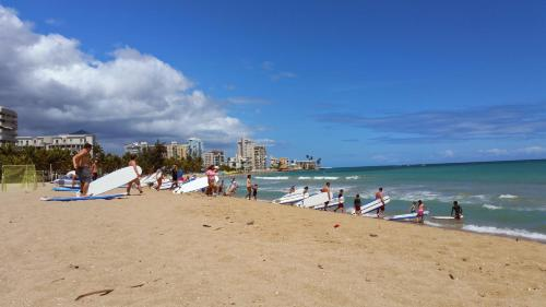 Beach Apt Isla Verde - Carolina, PR 00979