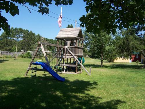 Gus' Place Resort - Deer River, MN 56636