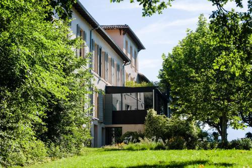 2250 Route Cezanne, 13100 Le Tholonet, Provence, France.