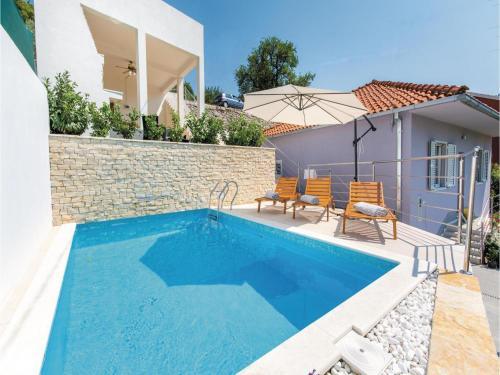 Holiday home Zrnovnica 89 with Outdoor Swimmingpool